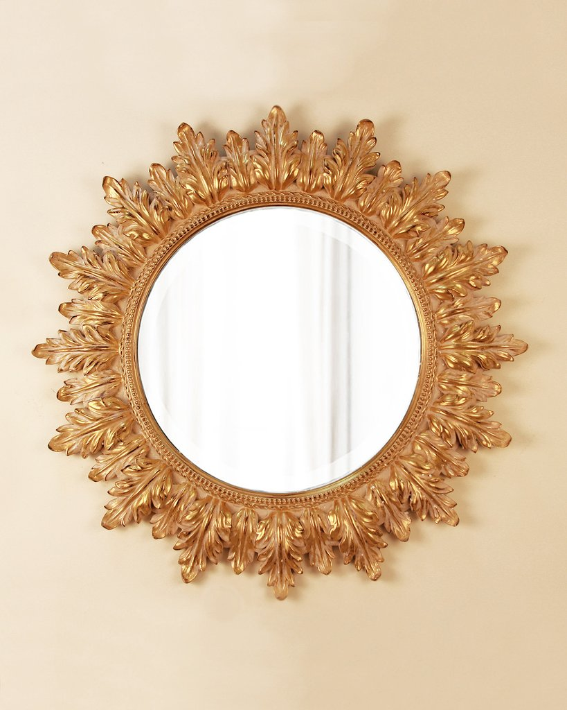 Настенное зеркало в круглой раме