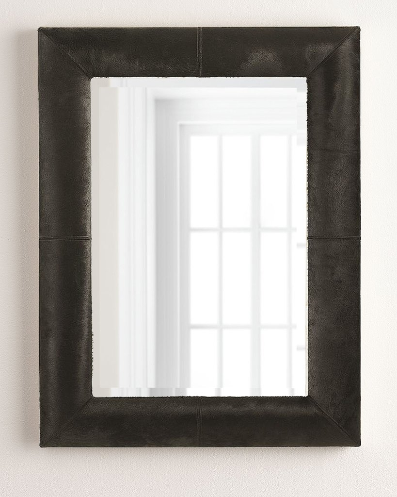 Зеркало в раме из коровьей шкуры