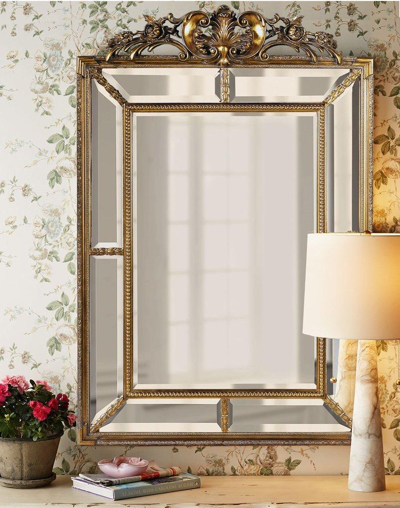 Зеркало в золотой раме