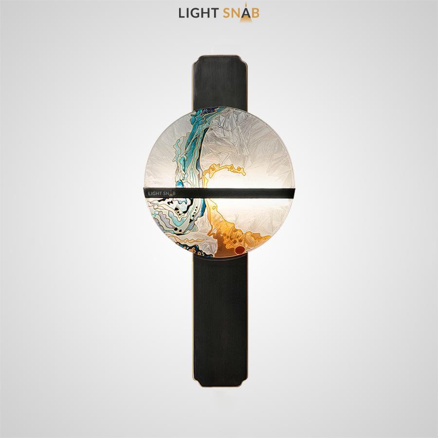 Настенный светодиодный светильник Akira Wall Stand в виде диска с декором из глазурованной эмали на металлической стойке