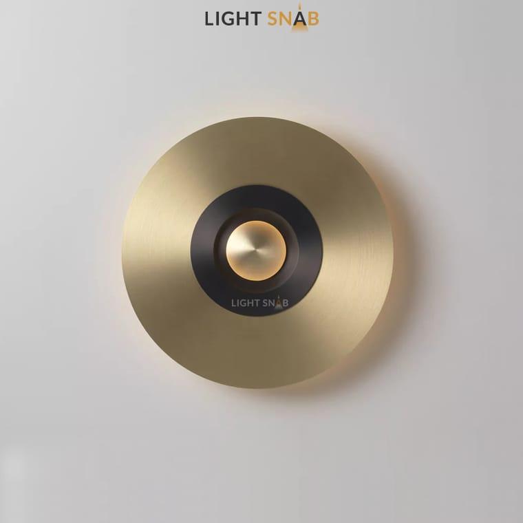 Дизайнерский настенный светильник Planchet модель D цвет латунь