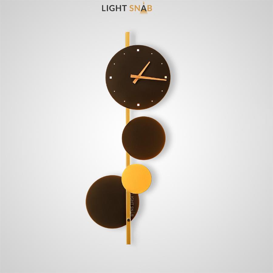 Настенный светильник-часы Time Wood в виде композиции из дисков с часовым механизмом