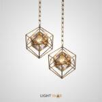 Дизайнерский подвесной светильник Quirina с хрустальным плафоном в виде кристалла внутри геометрического каркаса из металлических прутьев